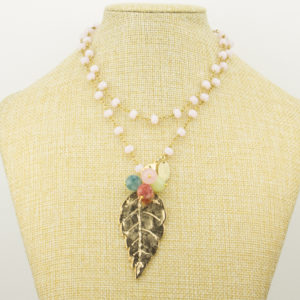 Collar Hoja Piedras Minerales y Cristales